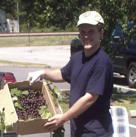 grapes_at_barnesville_market