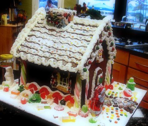 1-gingerbread house linda