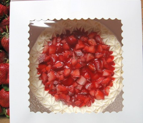 concord cafe strawberry cake
