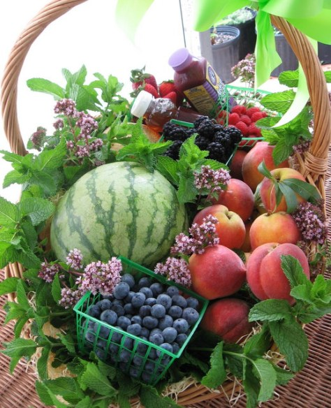 fruit baskets summer with berries 4